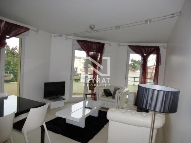 location saisonni re appartement dijon 21000 1593104. Black Bedroom Furniture Sets. Home Design Ideas