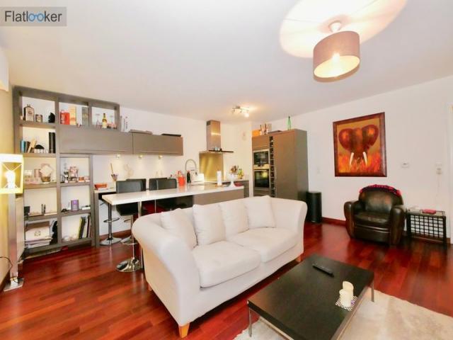 location saisonni re appartement issy les moulineaux 92130 1575559. Black Bedroom Furniture Sets. Home Design Ideas