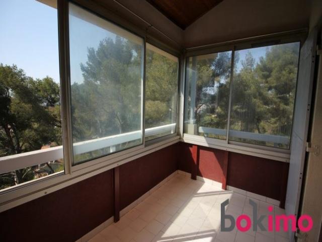 location saisonni re appartement la seyne sur mer 83500. Black Bedroom Furniture Sets. Home Design Ideas