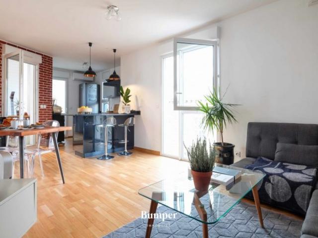 achat appartement lyon 07 immobilier lyon 07 69007 6399647. Black Bedroom Furniture Sets. Home Design Ideas