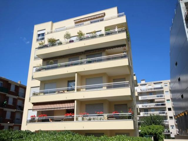 Achat appartement courbevoie immobilier courbevoie 92400 for Achat appartement t4