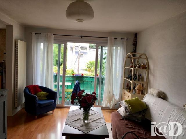 achat appartement nantes immobilier nantes 44000 6397606. Black Bedroom Furniture Sets. Home Design Ideas
