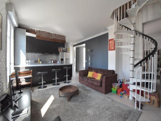 achat appartement courbevoie immobilier courbevoie 92400 6313967. Black Bedroom Furniture Sets. Home Design Ideas