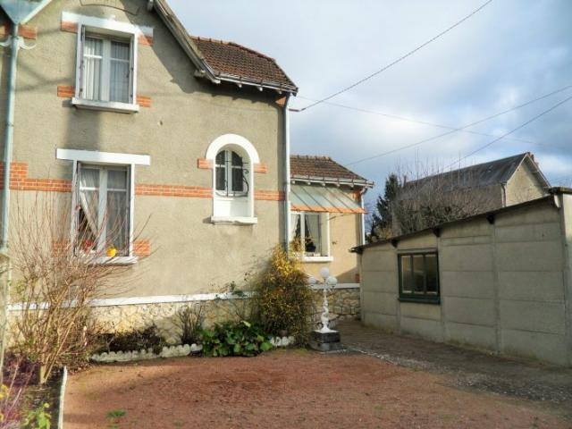 Achat maison tours immobilier tours 37000 14970652 for Garage tours nord