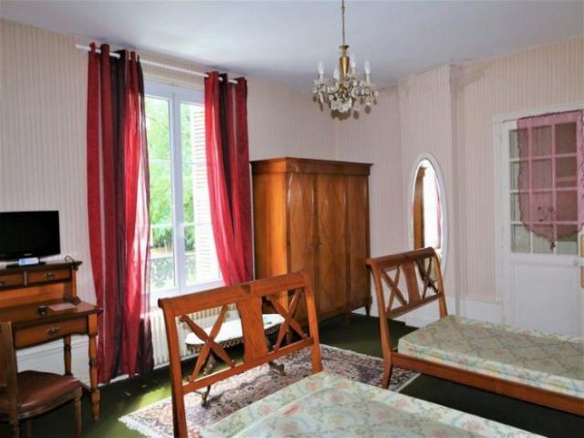 achat maison tours immobilier tours 37000 16313538. Black Bedroom Furniture Sets. Home Design Ideas